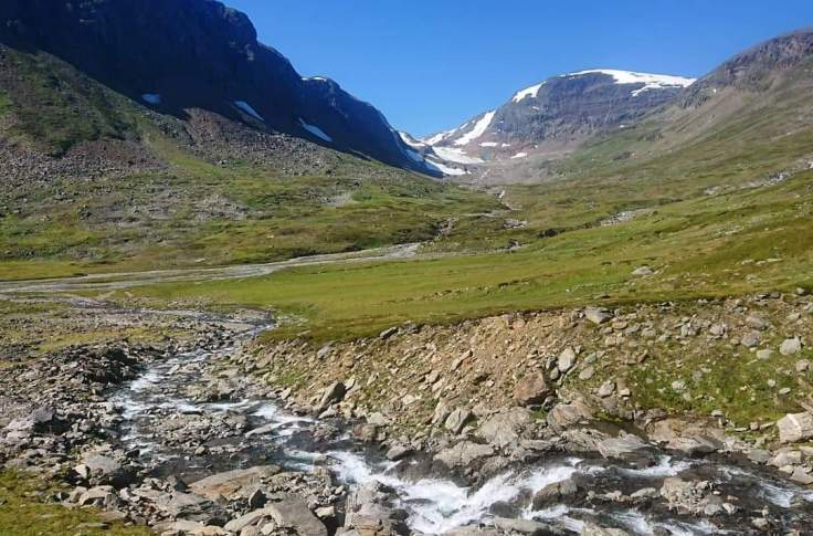 The mountains around Abisko requires endless of tours if you take the time to run outside the trails. This picture is taken far inside the Kårsavagge valley when I was about to the decide which direction to head next.