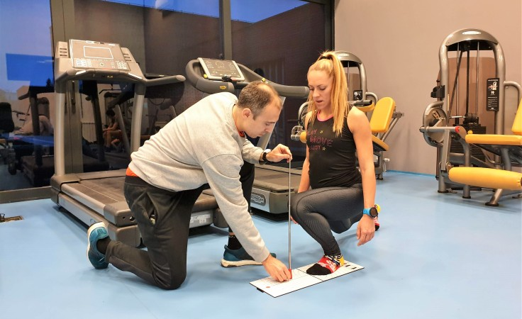 Fernando is doing some mobility tests on Snezana,